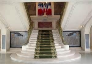 trente ans, le temps d'avant. dans perso escalier-mairie-st-mande
